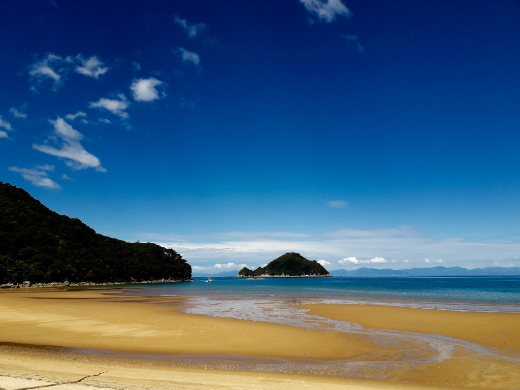 new-zealand-water-journeys-golden-beach